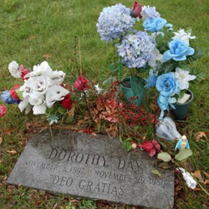 FLOWERS DECORATE THE GRAVE OF DOROTHY DAY, CO-FOUNDER OF THE CATHOLIC WORKER MOVEMENT, AT CEMETERY OF THE RESURRECTION IN THE STATEN ISLAND BOROUGH OF NEW YORK DEC. 9, 2012. / PHOTO: (CNS PHOTO/GREGORY A. SHEMITZ)