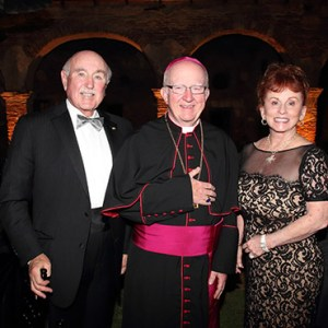 BISHOP KEVIN VANN, WITH TIMOTHY AND SUSAN STRADER, AT THE MISSION PRESERVATION FOUNDATION GALA, HELD IN SEPTEMBER, AT MISSION SAN JUAN CAPISTRANO. THE EVENT RAISED MORE THAN $500,000. / PHOTO: LISA RENEE PHOTOGRAPHY