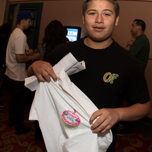 4-FINALS_2014_POMONA_5D_ZUCKER_TICKETLINE_FAN_WOLF_SHIRT_01