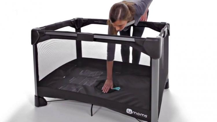 Reisebett Baby 4moms Breeze: Pack 'n Play That Takes 2 Seconds To Setup