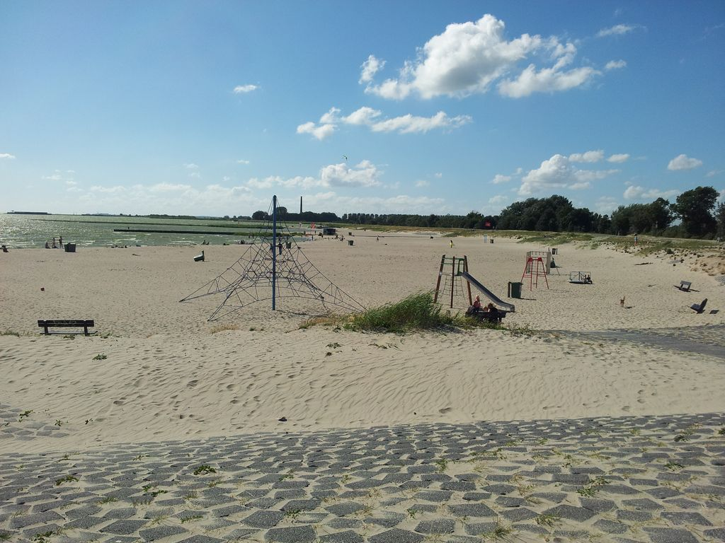 Relax Fh Rt Strandhaus Lemmer Directly On The Ijsselmeer Relaxation And