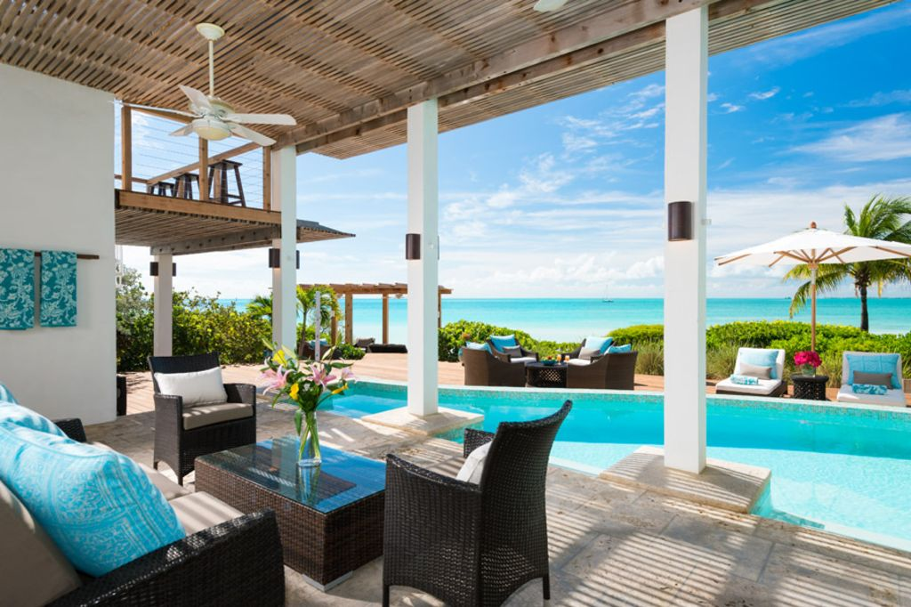 Sapodilla BEACHFRONT Luxury Villa! Sunsets, views, private pool