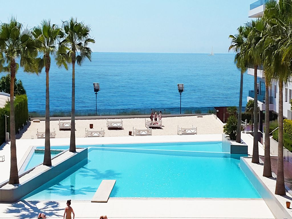 Ferienwohnung Mit Pool Marling Royal Beach Luxury 3 Bdr Apt Front Sea Vie Homeaway