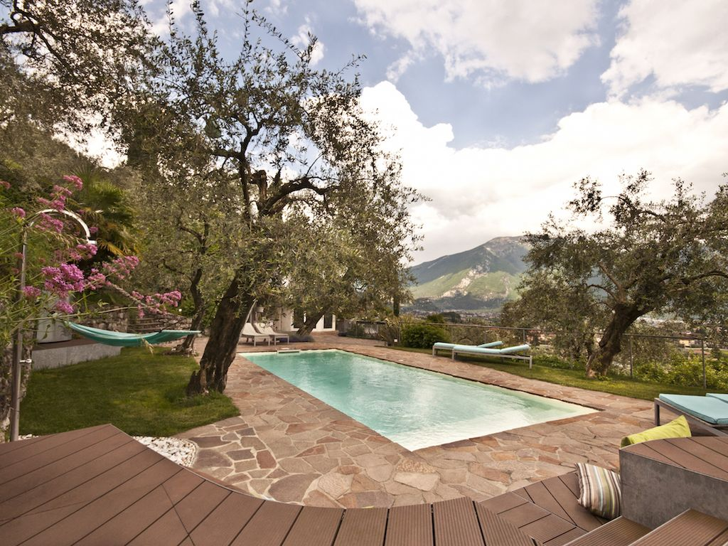 Ferienhaus Mit Pool Trentino Apartment With Pool Stunning Location Panoramic Terrace Garden Green Riva Del Garda