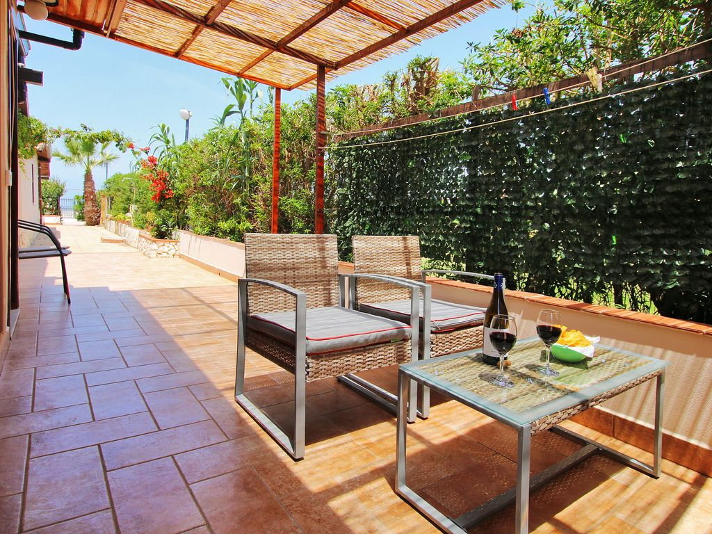 Beste Sofabetten 2018 Quickbooks Beachside Seafront Villa At Only 20 Meters From The Beach 2 Bathrooms 7 Persons Airconditioning Campofelice Di Roccella