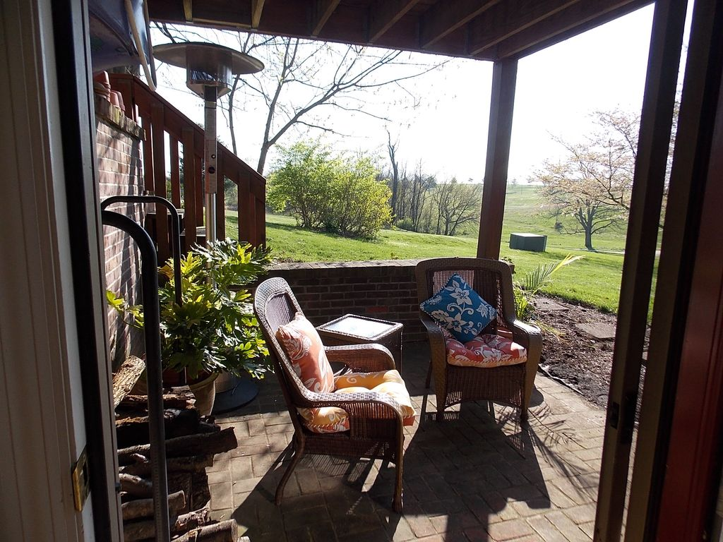 Golf Course Bourbon Wine And Horses Vrbo