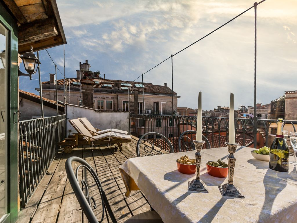 Schlafzimmer Burano Lovely Two Bedroom With Large Roof Terrace Dorsoduro