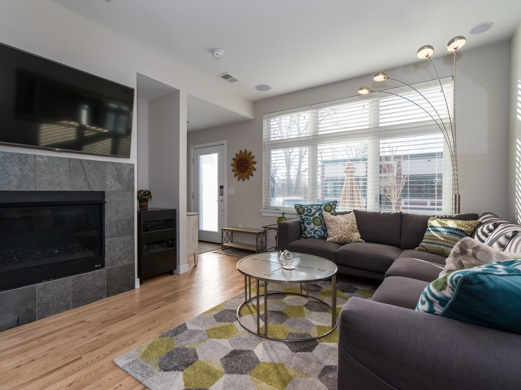 Luxury Family Friendly Walking Distance To Downtown