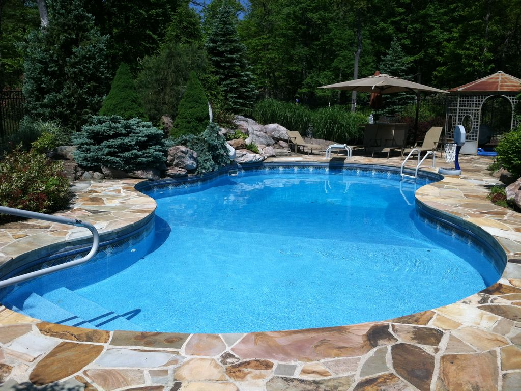 Jacuzzi In The Pool Pocono Paradise Private Pool Outdoor Jacuzzi And 75