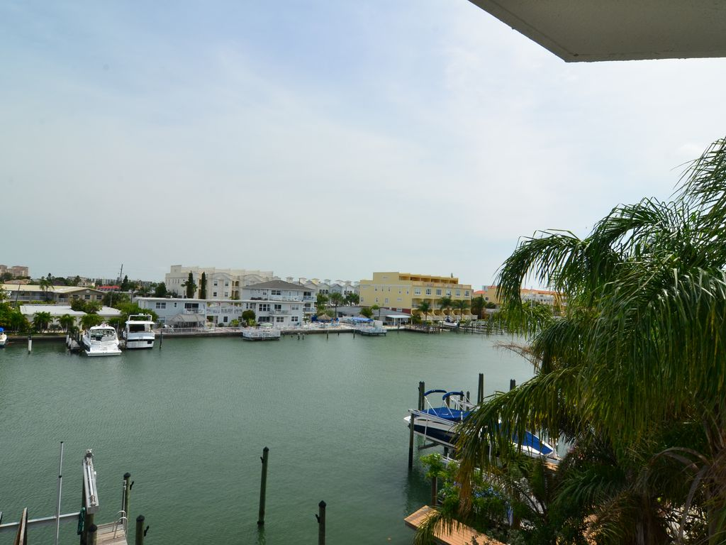 Bds 300 Luxury Condo On The Bay 3 Bds 3 Bth 300 Yds From Beach Clearwater Beach