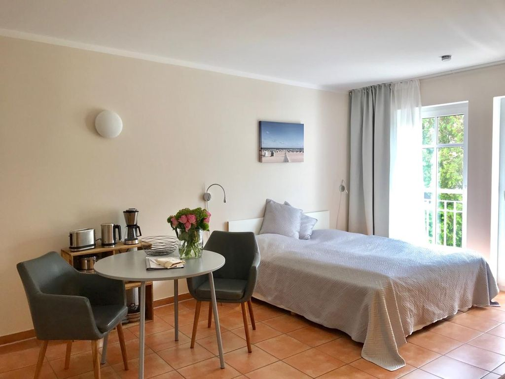 Atelier F Waves Modern Apartment Quiet Location Perfect F 2 Pers Atelier At The Current Warnemünde