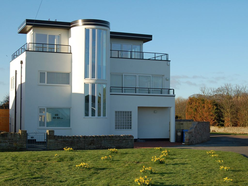 Art Deco Homes E1909 Art Deco House Stunning Sea Views Directly
