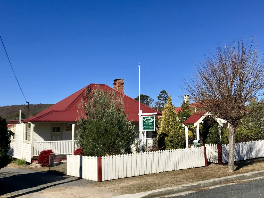 Classic Bedroom Escape Historic Luxury Accommodation Escape To Classic Country Charm Tenterfield