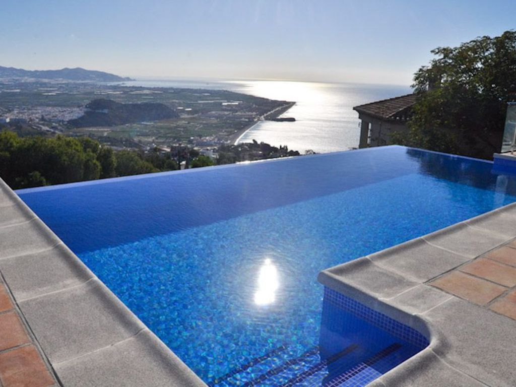 Jacuzzi Pool Installation Villa With 4 Bedrooms Jacuzzi Pool Sauna And Wonderful Views Salobreña