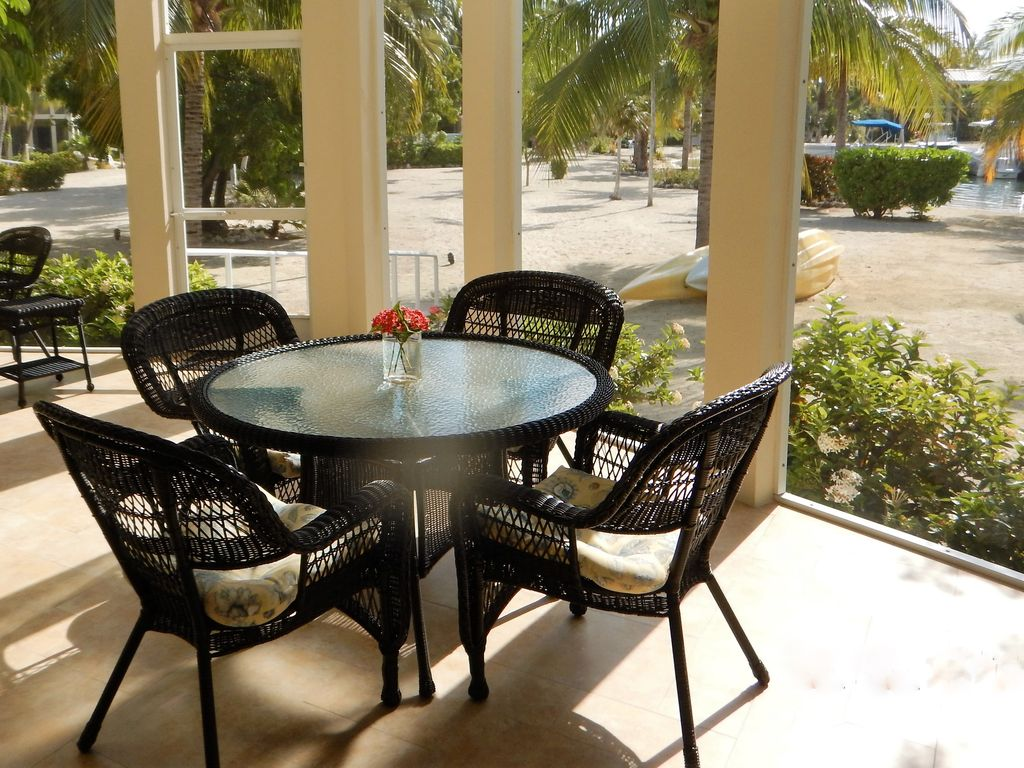Outdoor Living Northside Beachfront Luxury Living Directly On Palm Lined Cove Kayaks And Bikes Included North Side