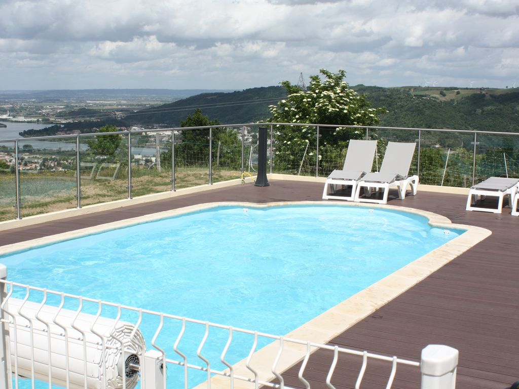 Swimmingpool Ozon Gite In Ardeche North Overlooking The Rhone With Heated Pool 3 Stars Ozon