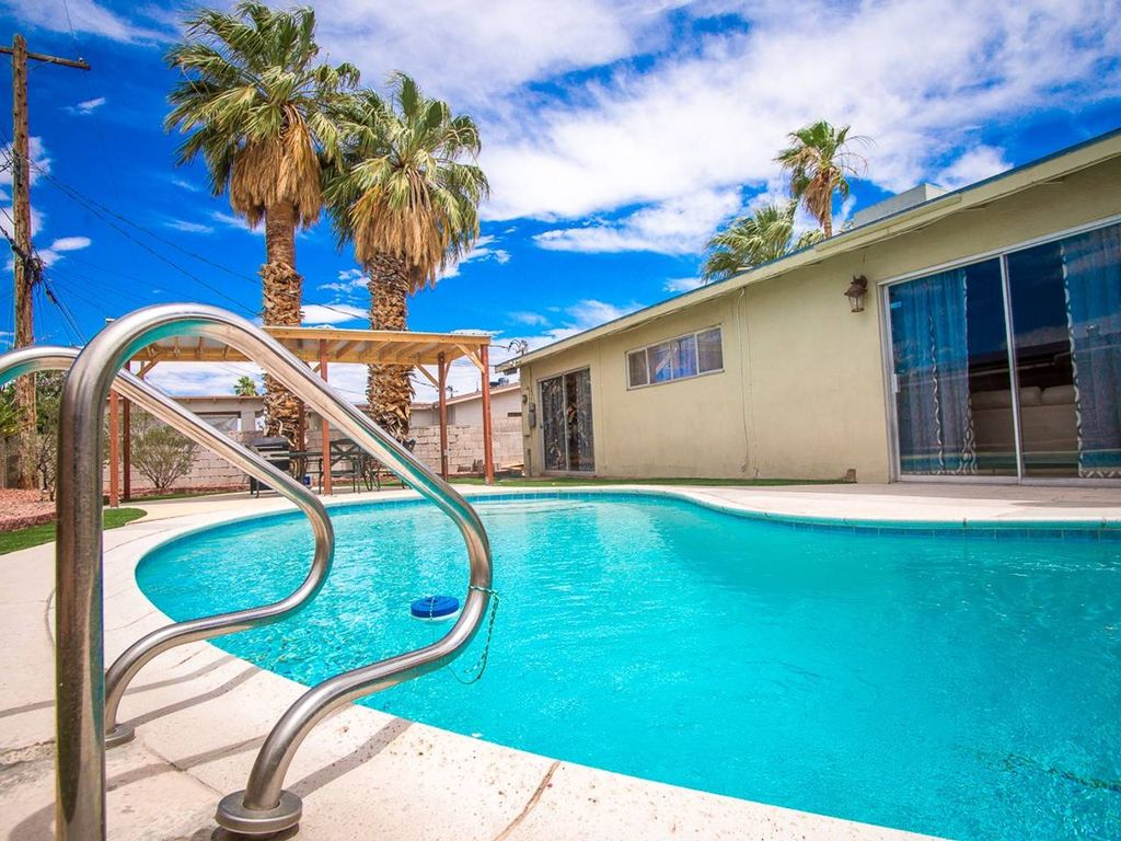 Gorgeous 3bd Las Vegas Home With Sparkling Pool Las Vegas
