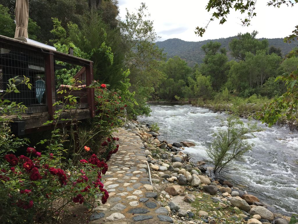 Container Haus Park Private River Frontage Quiet Secluded Retreat Only Minutes To Sequoia Park Three Rivers
