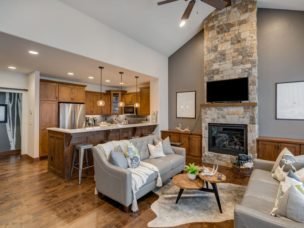 Upscale Ceiling Fan Upscale Town Home Close To Downtown And Ski Area Steamboat