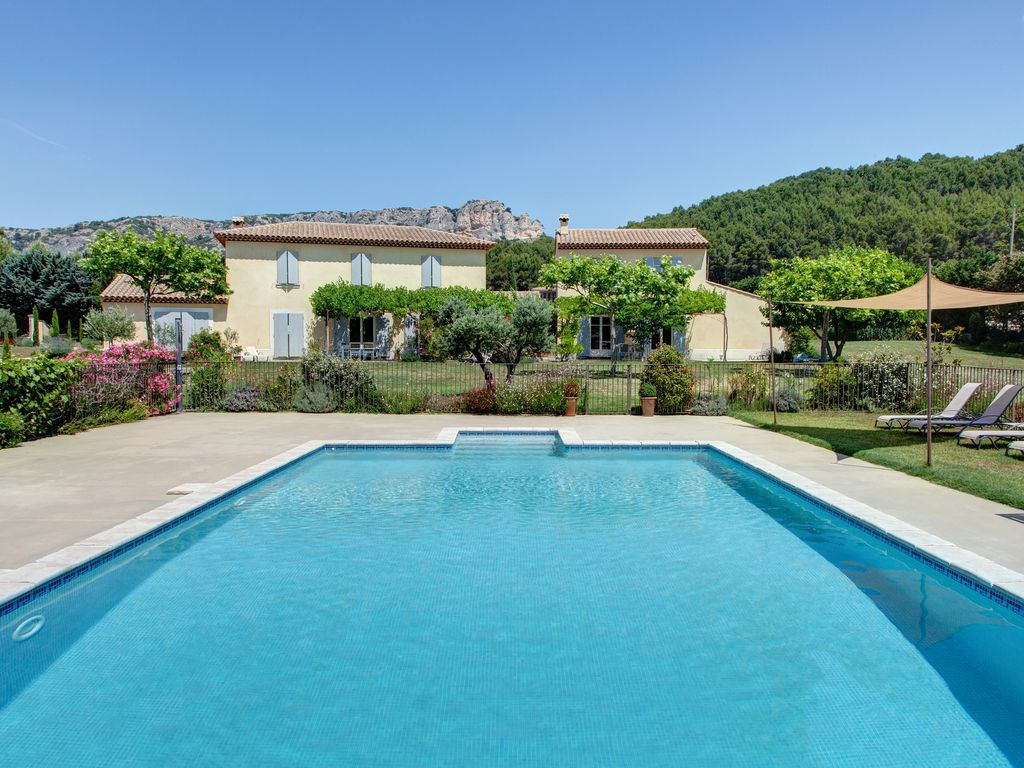 Jacuzzi In The Pool Villa With Pool And Private Jacuzzi In The Heart Of Luberon Vaucluse Provence Mérindol