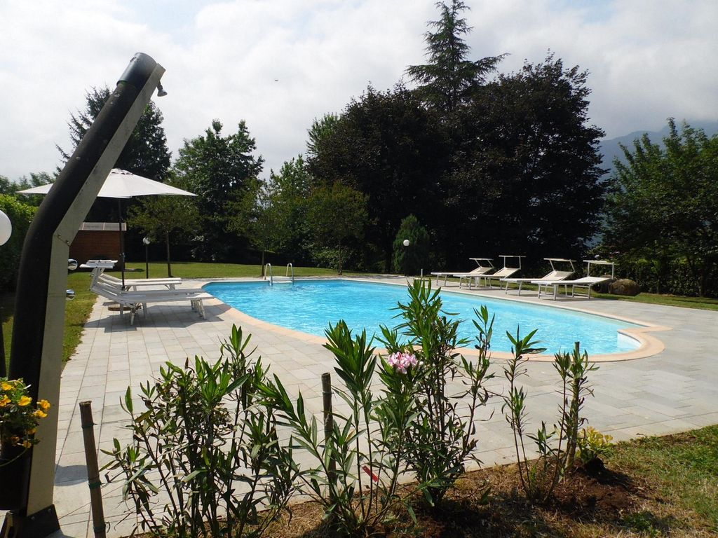 Cash Pool Italien Spacious Villa Private Pool Close To Barga Walking Distance Facilities Wifi Vrbo