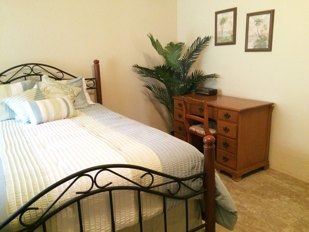 Available Now 105 A Night Cozy Comfortable Condo In