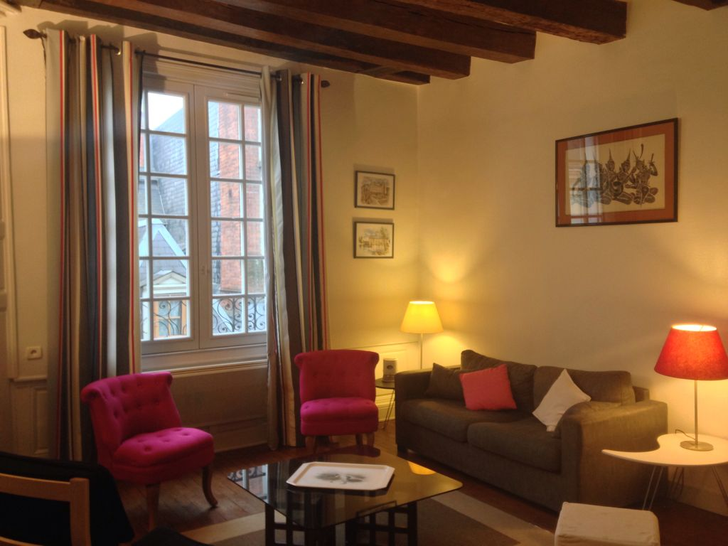 Les Salons De Montlouis Tours Apartment Hyper Center Historic District 4 Or 6 Pers 1 Or 2 Bedroom Homeaway