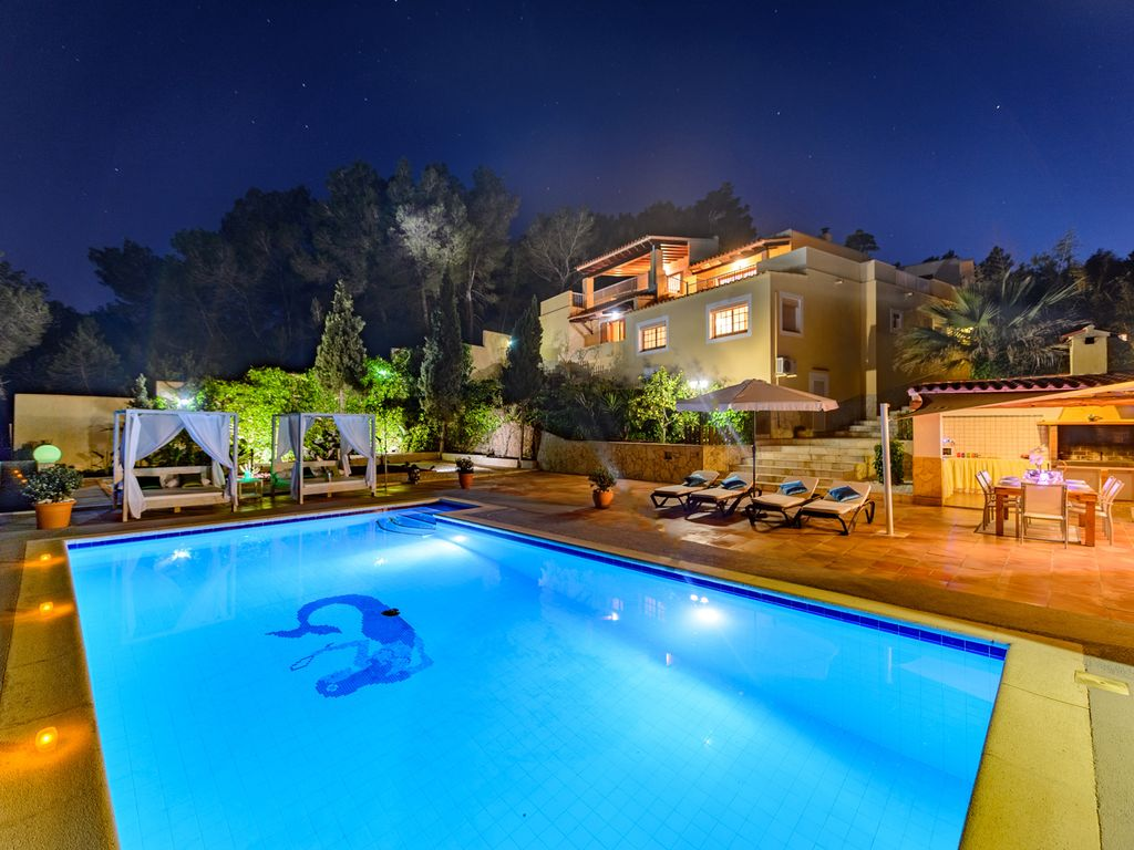 Cash Pooling Y Precios De Transferencia Villa Ibicenca With Pool Barbecue Panoram Homeaway