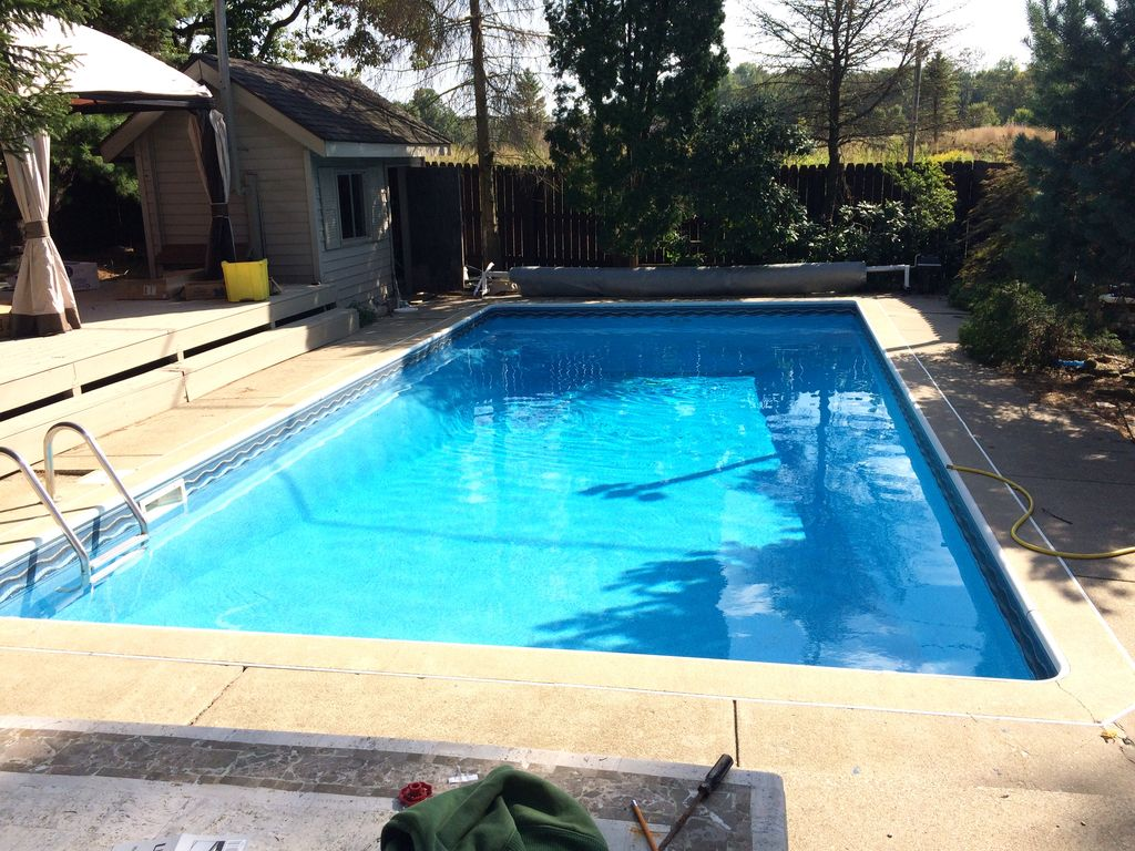 Pool And Jacuzzi Pool And Jacuzzi And Sauna 8 Br 4 Baths Sleeps 22 Bloomington
