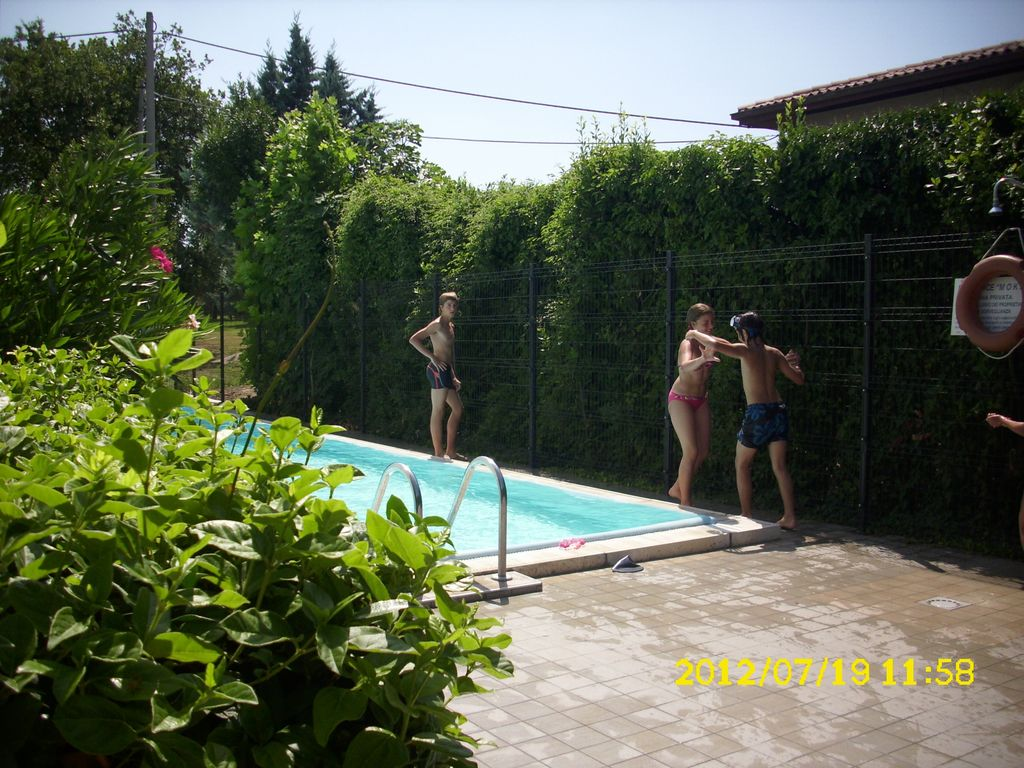 Pool Reinigen Mit Em Modern With Pool And Wi Fi Private Garden Homeaway