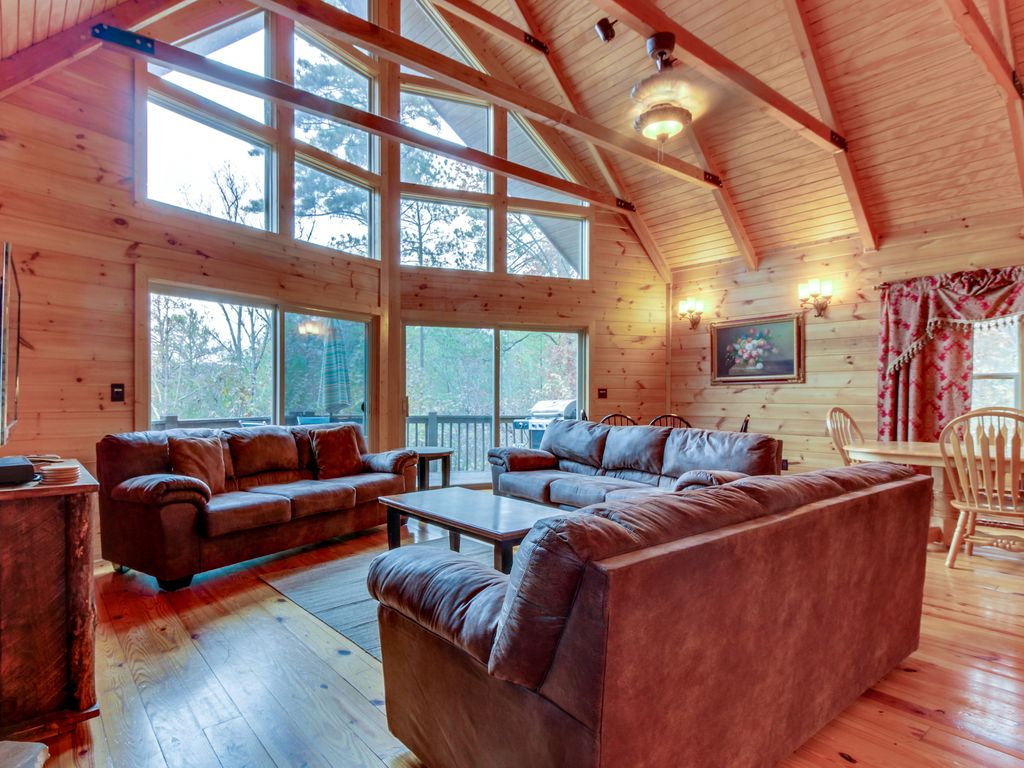 Lakeview Lodge With Two Decks Pool Table Vrbo