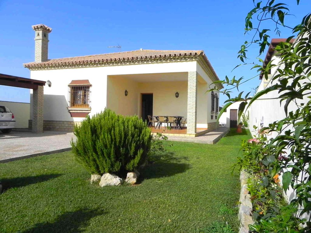 Ferienhaus Mit Pool Chiclana De La Frontera Nice Vacation Home With 3 Bedrooms For 6 Persons With Private Pool Quiet Only Just Some 500m From Conil With Wifi Conil De La Frontera