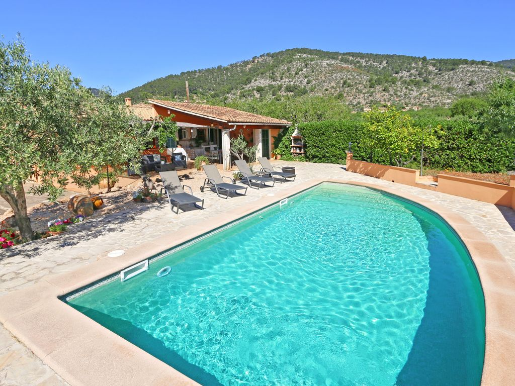 Pool Ganzjährig Heizen Modern Country House At The Foot Of The Mountains In A Quiet Village Location Private Pool Internet Alaró
