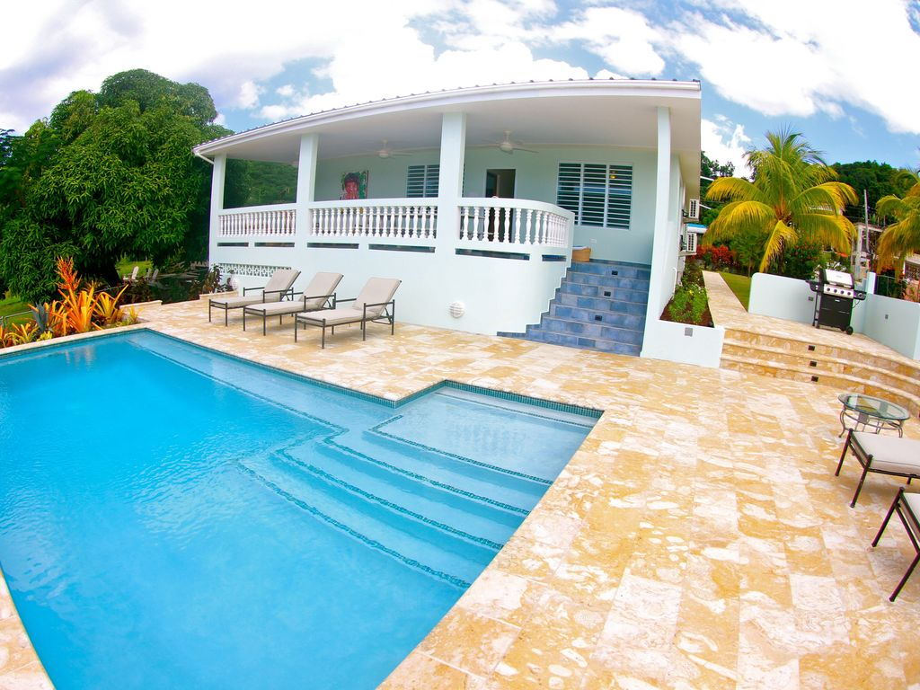 Pool With R R Villa At Steps Beach With Pool And Bocce Court Rincón