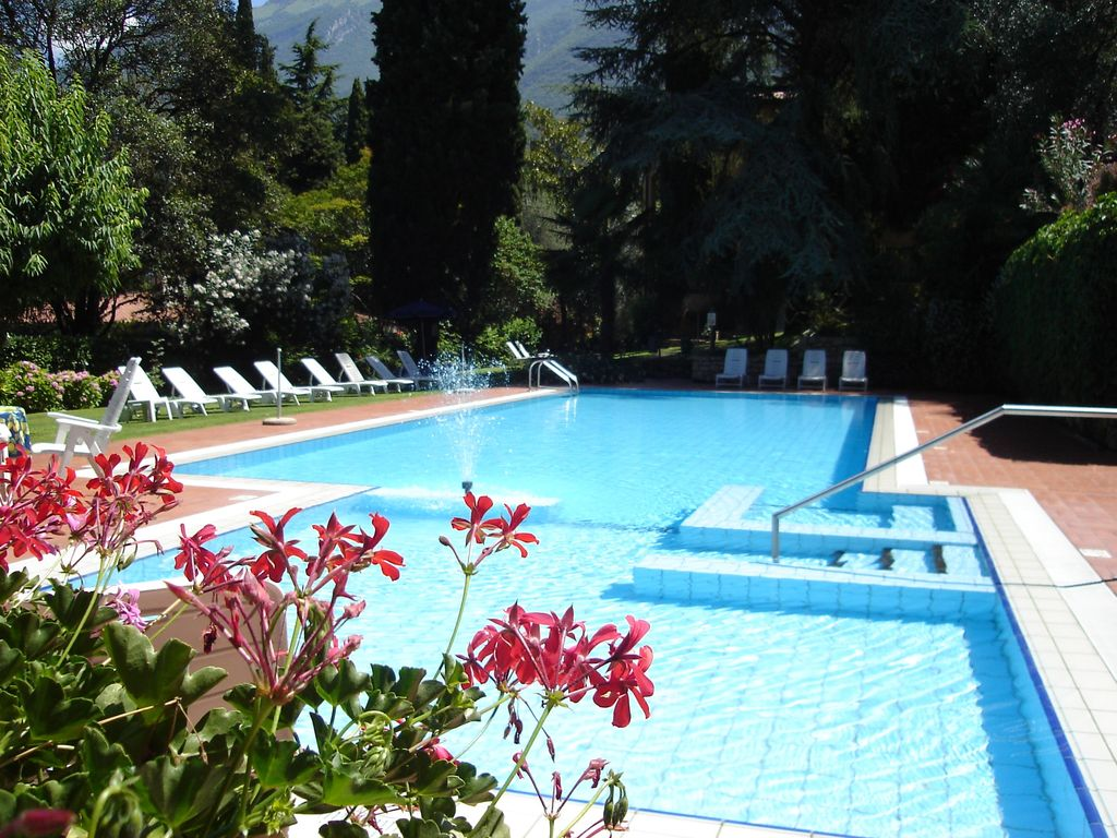 Ferienwohnung Mit Pool Nrw Residenza Villa Sopri Right On The Lake With Nice Garden And Pool Malcesine