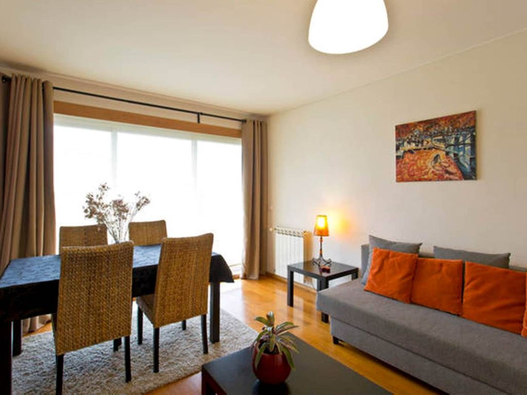 Moderne Garage Modern Light Quiet And Comfortable Apartment T1 With Private Garage Porto