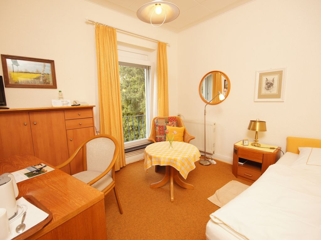Haus Am Hang Single Room Haus Am Hang Pension Garni Scharbeutz