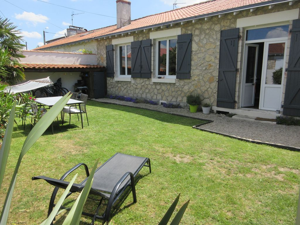 Garden Coffee La Rochelle Charming House With Garden In La Rochelle La Rochelle