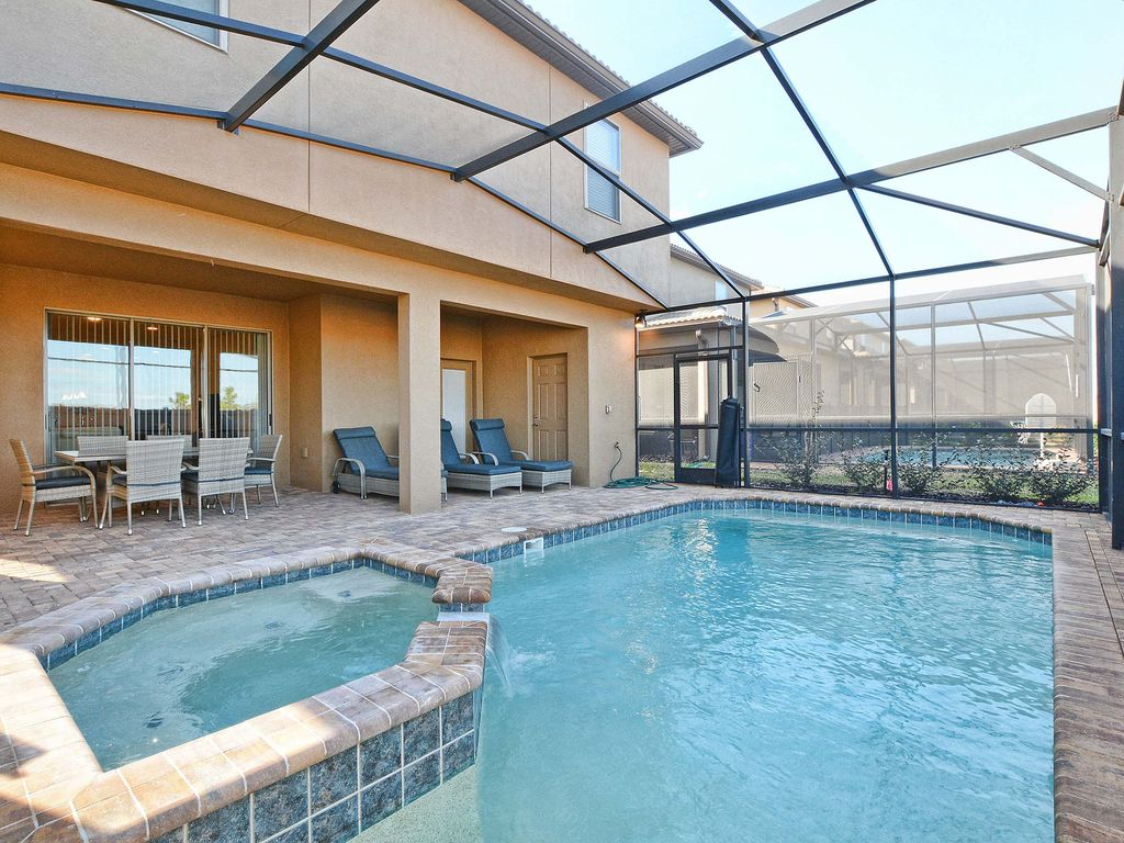 Jacuzzi In The Pool Beautiful Brand New Home With Jacuzzi In A Resort Community Just A Few Minutes From Disney Kissimmee