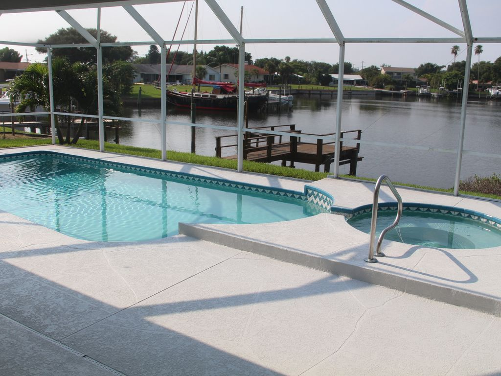 Ferienhaus Mit Pool Und Whirlpool Deutschland Vacation House With All Comfort Pool Whirlpool Screen Directly By The Sea Coquina Key