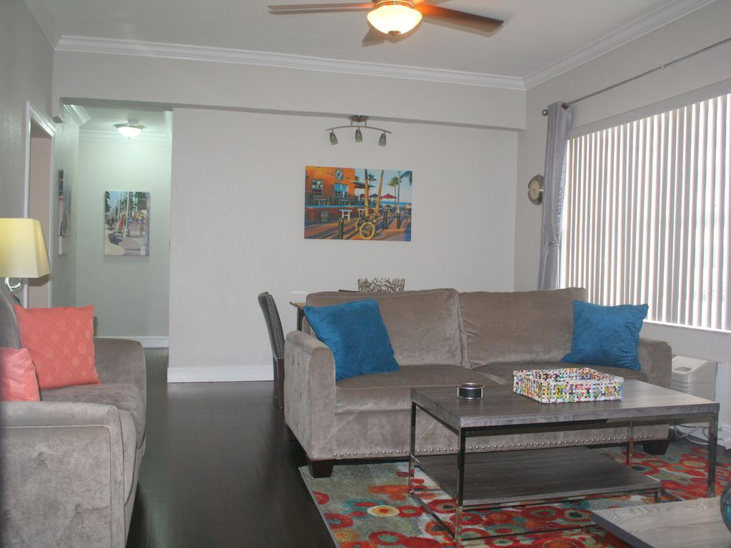 Upscale Ceiling Fan Upscale 1 1 Condo At Boardwalk King Bed Pool Free Parking Private Terrace Hollywood Beach