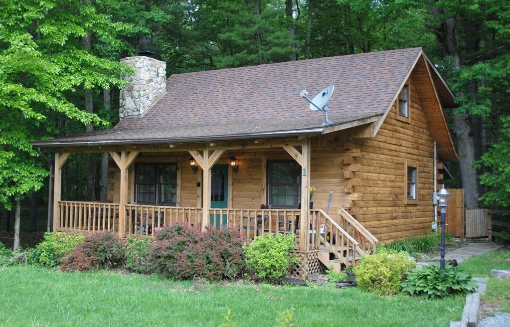 The Whitetail At Beautiful Cozy Log Cabin Homeaway