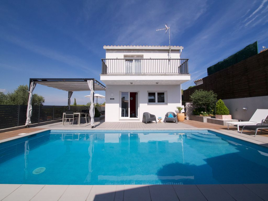 Pool Reinigen Nach Dem Sommer Beautiful Contemporary House Close To Beaches Private Pool Wifi Sleeps 6 L Escala