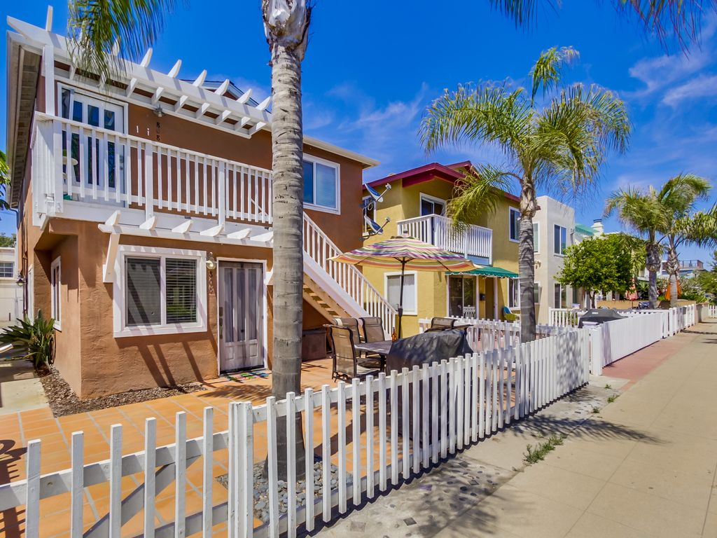 Great Patio Steps From The Bay The Beach Vrbo