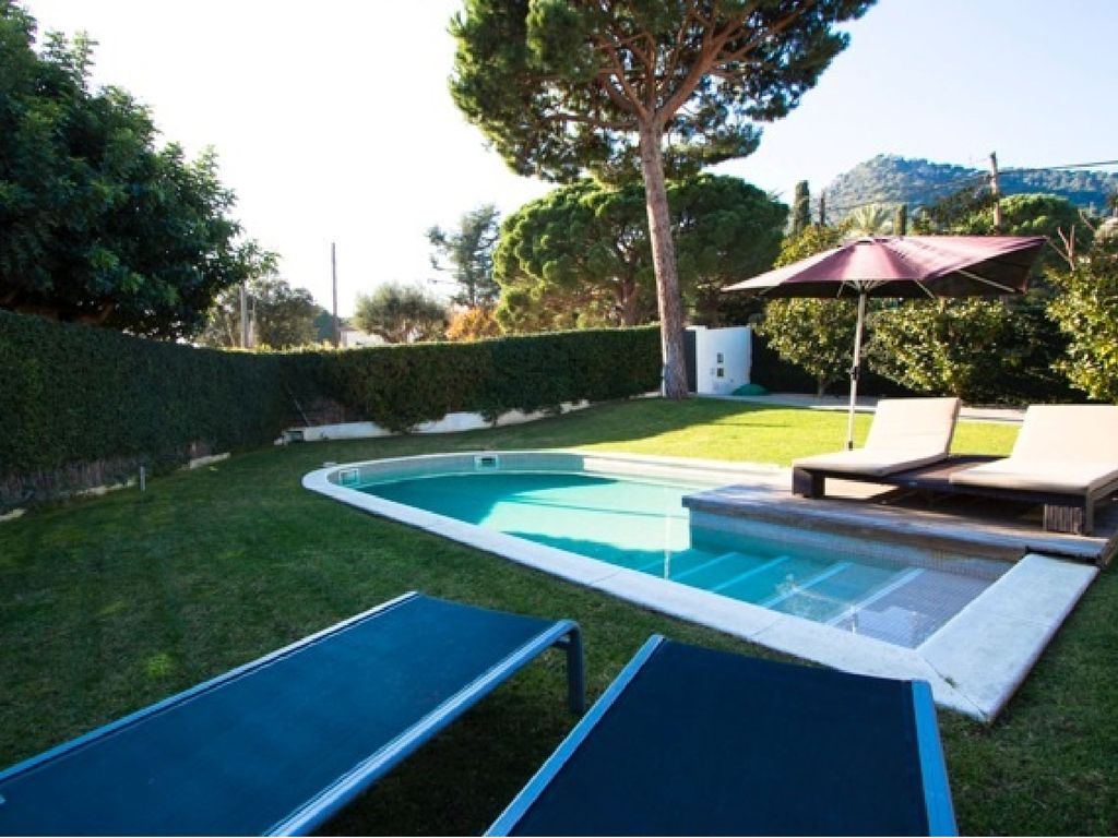 Jacuzzi Pool De Quiet House To Enjoy The Holidays With Pool And Jacuzzi In The Garden Cabrera De Mar