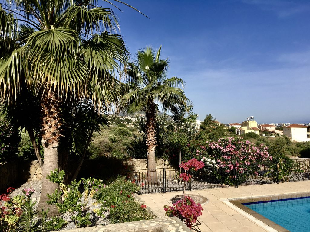 Pool Im Garten Hygiene Exclusive Villa Set In Palm Trees Tropical Gardens Large Pool Brillant Views Bellapais