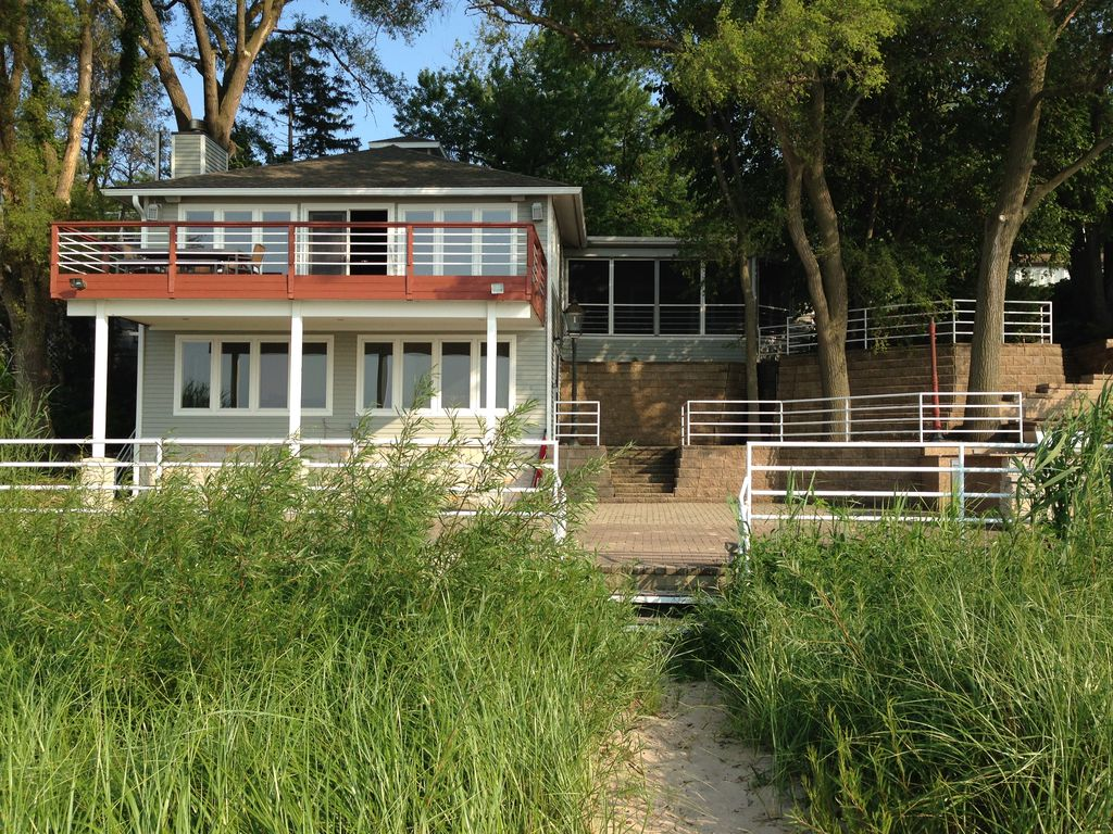 Vrbo Lake Michigan Private Beach Amazing Outdoor Space Open Interior Easy Living Long Beach