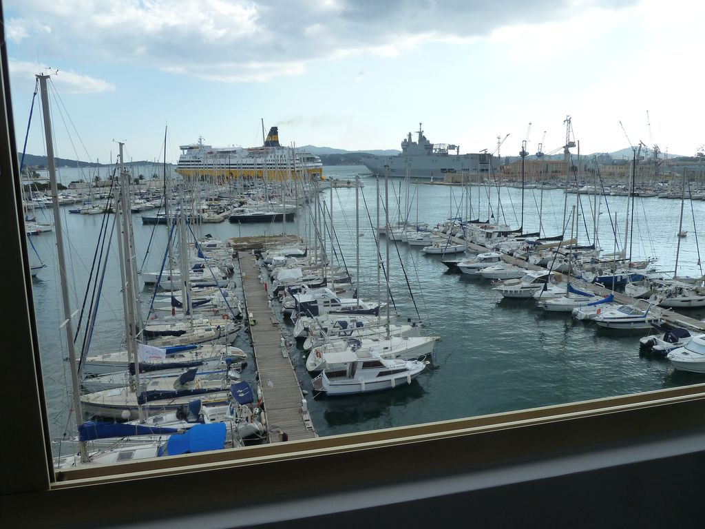 Port Toulon Grand T1 Design Of The Port Of Toulon Magnificent Views Of The Sea Old Town