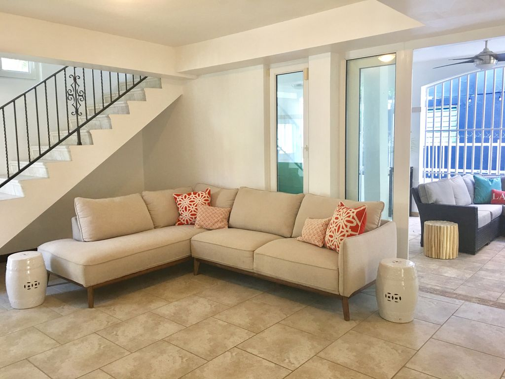 Big Sofa San Juan Beautiful Ocean Park Walk To Beach 7 Bedrooms 5 Bathrooms Ocean Park