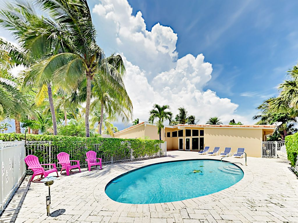 Pool Terrasse Glatte Waterfront 3br Mit Eigenem Pool Terrasse Und Ping Pong 500 Yards Zum Strand Lauderdale By The Sea